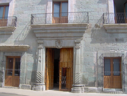 Progreso de la restauración en Marzo de 2008